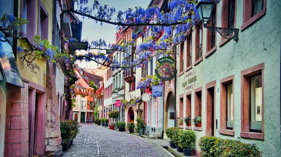 Freiburg Gasse Foto: Paul Henri Degrande/pixabay.de