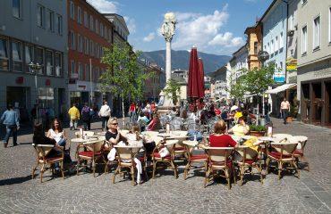 Gemütliches Verweilen am Hauptplatz in Villach_Foto_Stadt_Villach