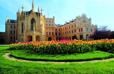 Lednice_Schloss-Suedseite_Foto Kamyq_pixabay_de
