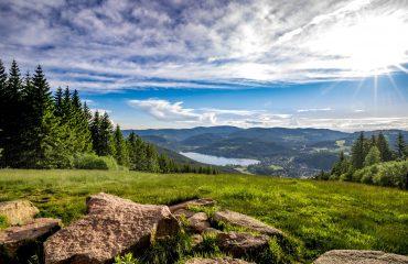 Blick vom Hochfirst auf den Titisee Foto: Hochschwarzwald Tourismus GmbH