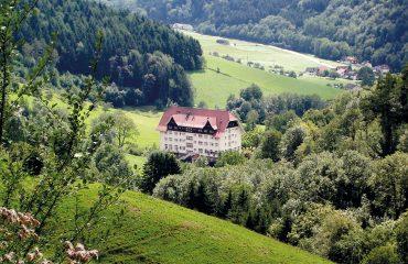Klinik Glotterbad im Glottertal im Schwarzwald Foto: wikipedia.org